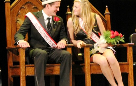 Crowns Kick Off Homecoming