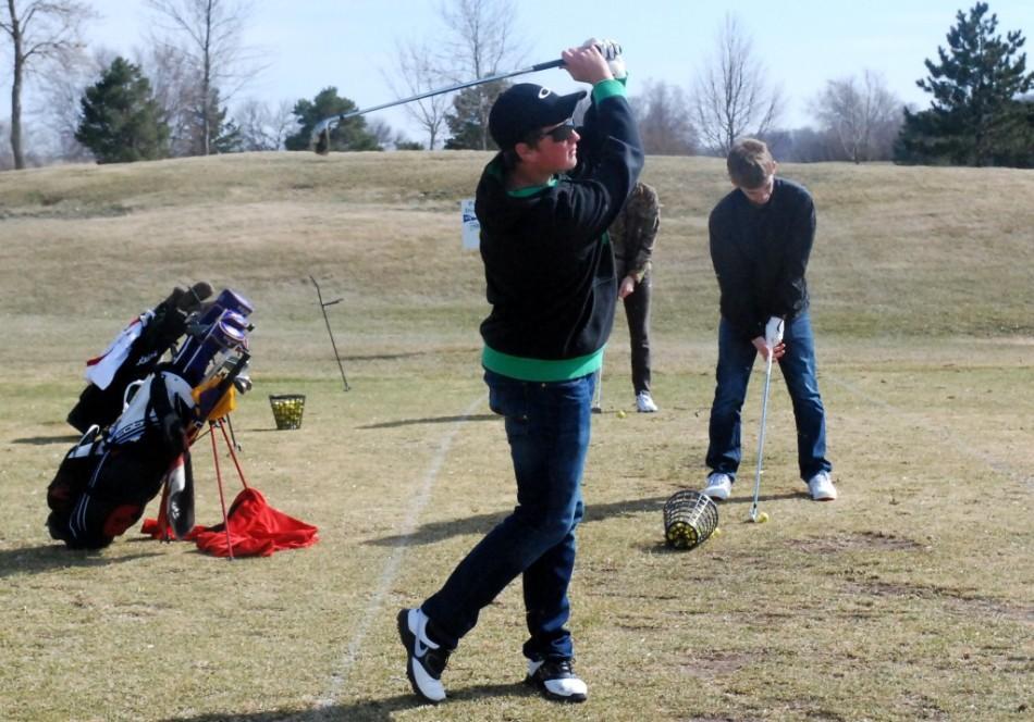 Jonah+Callister+swings+into+a+new+golf+season