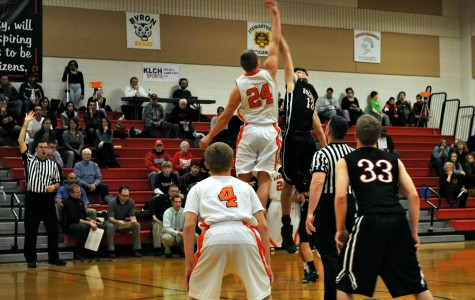 Boys' basketball team tries to control tip-off with Lake City