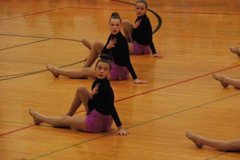 JV dancers