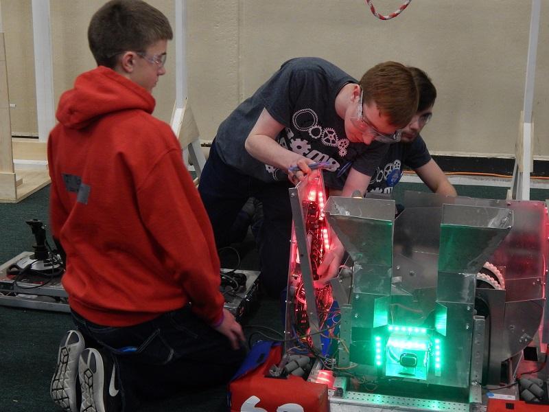 CFHS robotics team makes some adjustments to its Bomb Botz