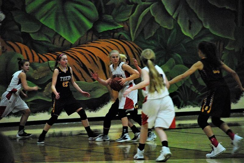 Kaly Banks controls the ball in a late season