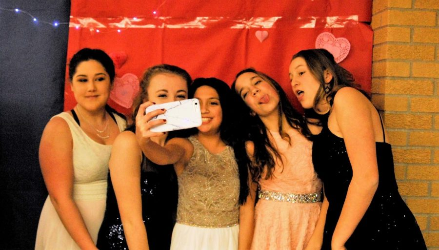 Middle school dancers get together for some pictures