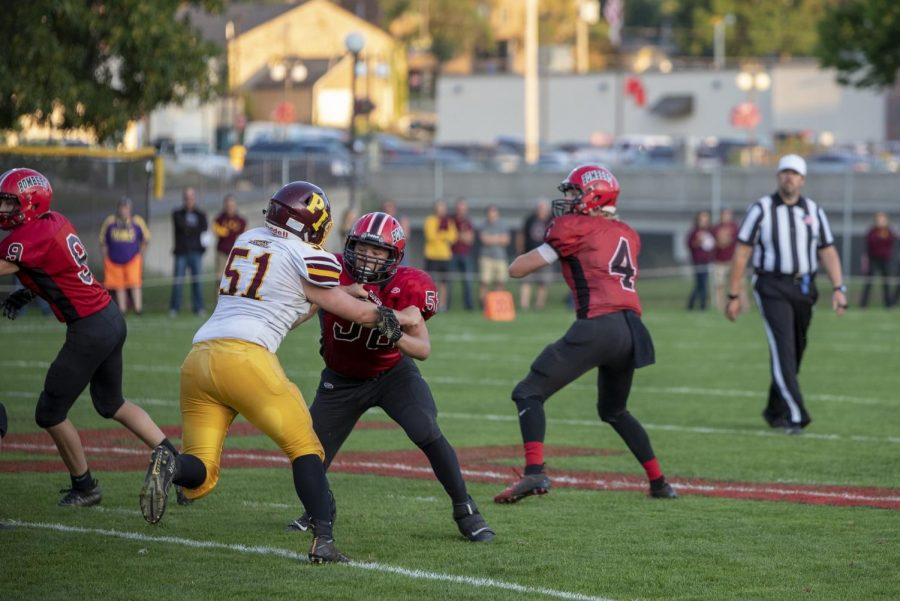 Quarterback+Jack+Dommeyer+finds+a+receiver